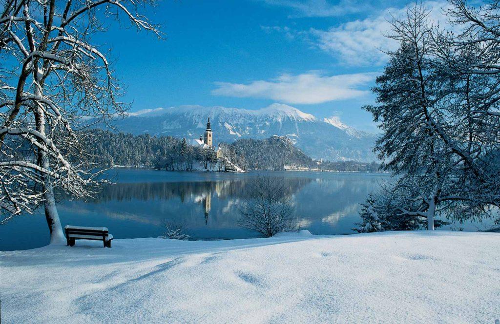 озеро Блед зима