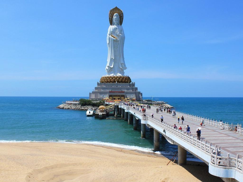 статуz бодхисаттвы Гуаньинь